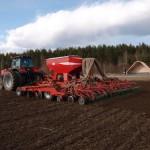В районе начался сев яровых зерновых и зернобобовых.