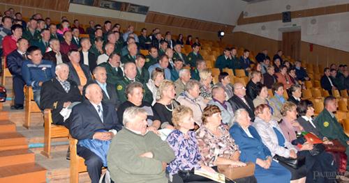 Работники и ветераны Глусского лесхоза принимали поздравления по поводу профессионального праздника