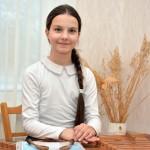Даша Сарапас — дипломант I степени V Международного конкурса молодых исполнителей на народных инструментах в номинации «цимбалы» в возрастной группе 12—14 лет