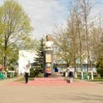 Накануне Дня Победы на Аллее Славы в Глуске возложили цветы