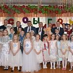 Министр лесного хозяйства Республики Беларусь Михаил Амельянович побывал на новогоднем утреннике в санаторной школе-интернате Глуска
