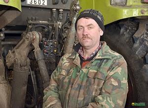 Механизатор Виталий Демиденко