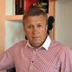 Сергей Сергеев — директор гимназии Глуска